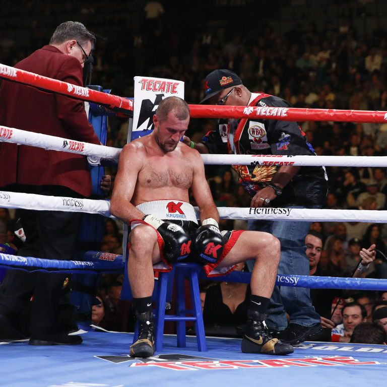 Зірковий російський боксер піймався на допінгу: його найближчий бій перебуває під загрозою зриву