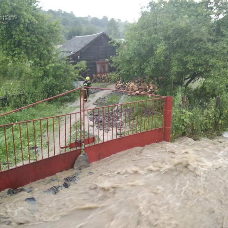 На Закарпатті оцінили суму збитків від паводка: негода наробила лиха на майже 160 мільйонів - ОДА