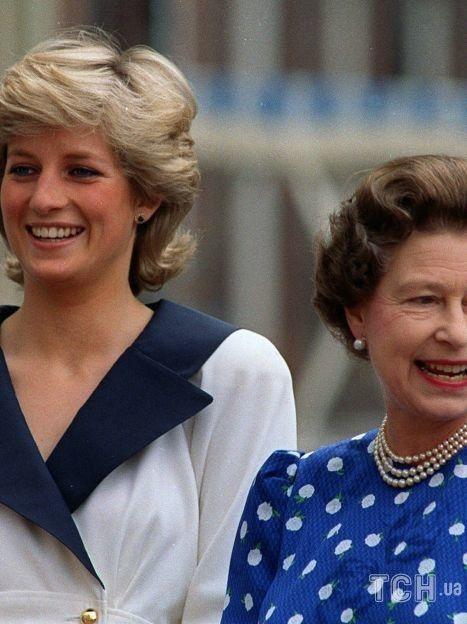Принцесса Диана и королева Елизавета II / © Associated Press