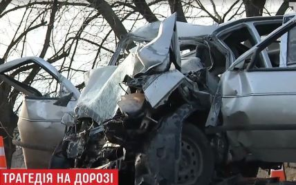 Моторошна аварія під Києвом: у лобовому зіткненні загинули працівники виправної колонії