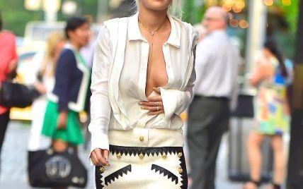 Рита Ора не носит нижнее белье