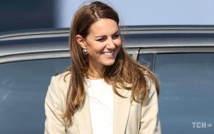 У світлому блейзері і штанах: перший вихід герцогині Кейт після літніх канікул