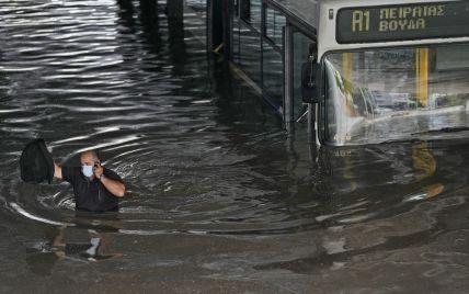 Из-за мощных ураганов и ливней Афины и другие греческие города оказались под водой