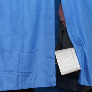 На вибори запрошують давно померлих та неповнолітніх. До чого призводить недосконалість держреєстру
