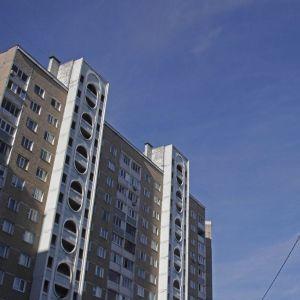 В Москве мальчик с аутизмом выкинул с 7 этажа младенца — СМИ