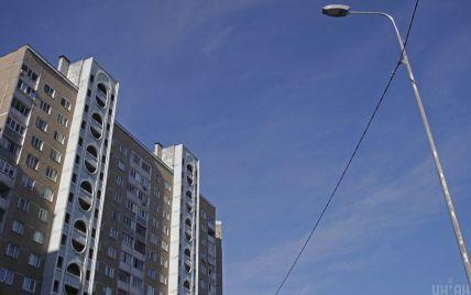 У Москві хлопчик викинув з 7 поверху немовля - ЗМІ