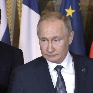 """""""Угода дорогою ціною"""". NYT назвала обмін полоненими показником потепління у стосунках України та РФ"""