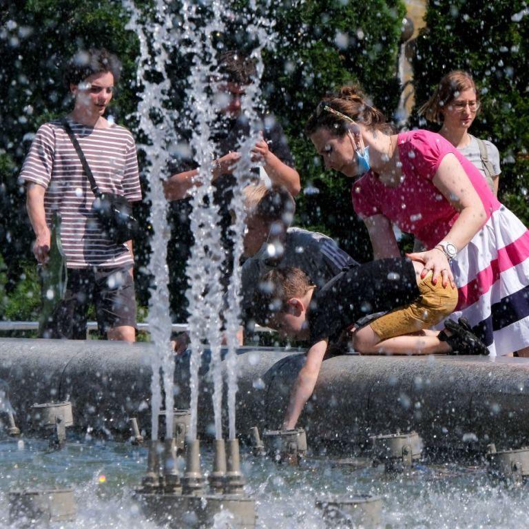 Екстремальна спека: українцям дали поради, як захиститися від високих літніх температур