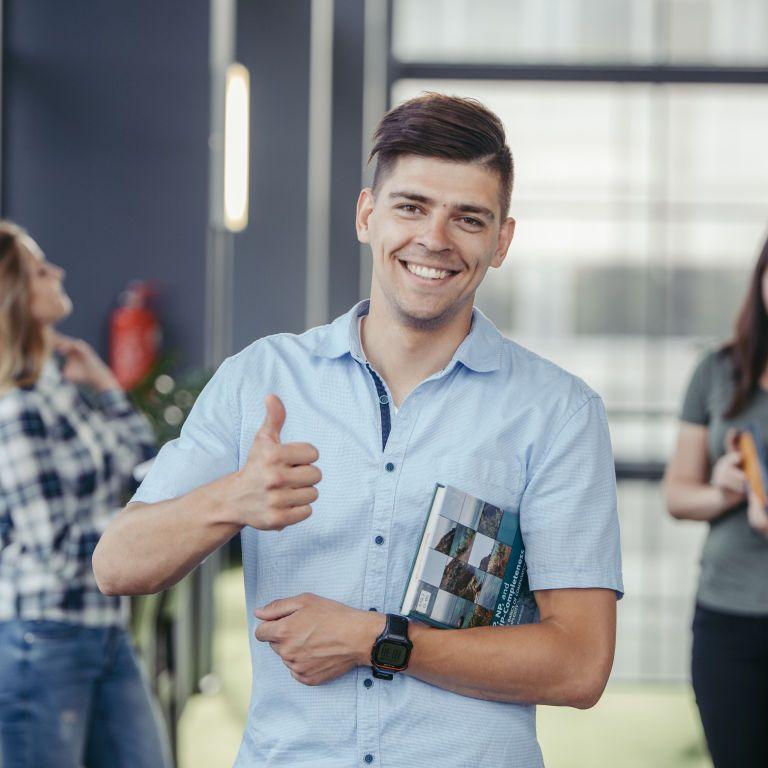 Українські студенти в Польщі: кількість зросла втричі, повертатися планує лиш один із десяти