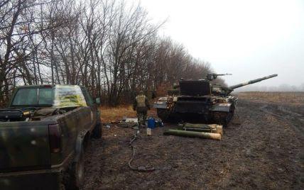 Вночі бойовики десять разів вели провокаційні обстріли українських позицій