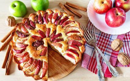Пиріг із виноградом і яблуками