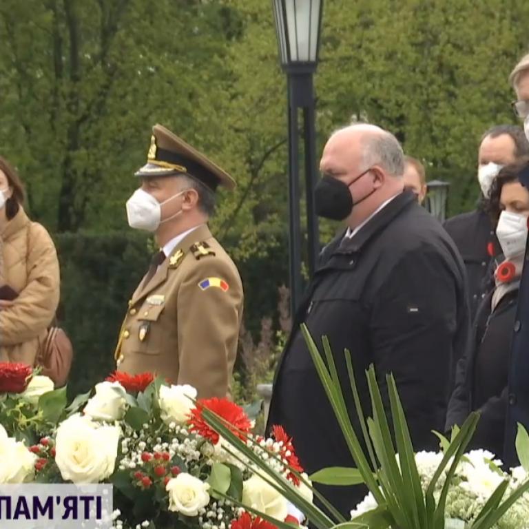 Посол Украины требует установить в Берлине отдельный мемориал украинским жертвам нацизма