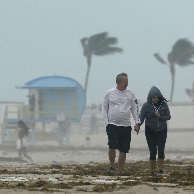 Кілька країн Центральної Америки потерпають від урагану: швидкість вітру сягає 160км
