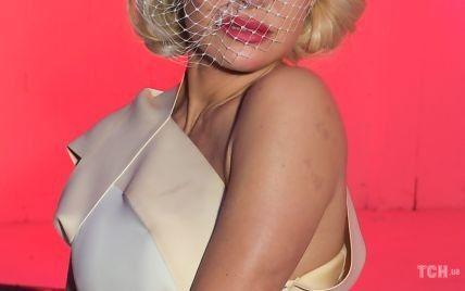 У вінтажній сукні та фаті від Valentino: Памела Андерсон вийшла заміж вшосте