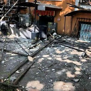У центрі Одеси обвалилася частина фасаду пам'ятки архітектури (відео)