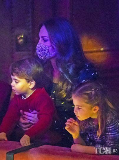 Герцогиня Кэтрин с детьми / © Associated Press