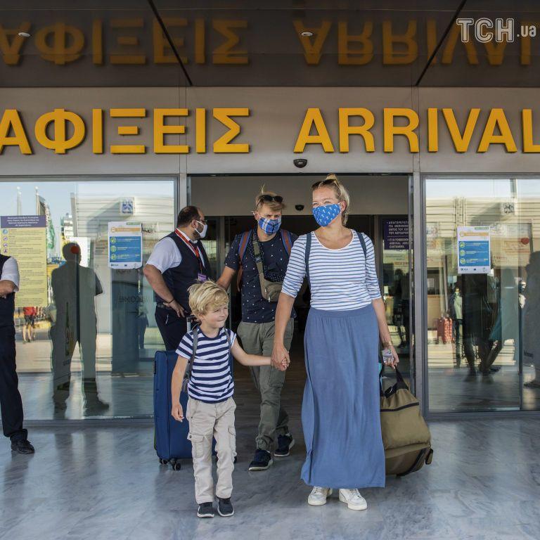 В Греции упростили условия въезда для туристов
