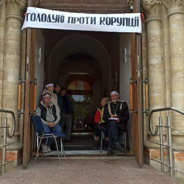В Одессе пастор Кирхи объявил голодовку против коррупции: фото