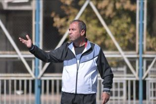 """Супермотивация. Сеть """"взорвало"""" видео, на котором турецкий тренер раздает игрокам пощечины в раздевалке"""