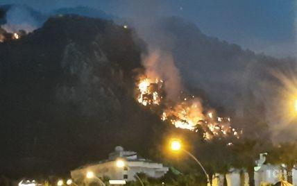 Огонь, дым еще и землетрясение: какая сейчас ситуация в Турции, где уже пятый день бушуют лесные пожары