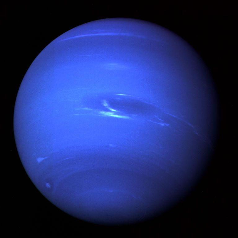 Вчені експериментально довели, що на Нептуні і Урані справді йдуть алмазні дощі