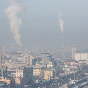 Несколько дней Киев страдал от задымления из-за пожаров вблизи города: безопасен ли столичный воздух