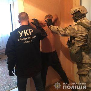 Резонансное ограбление ювелирного магазина на Закарпатье: появилось видео задержания злоумышленников