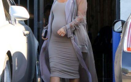 Модные туфли не выдержали вес Ким Кардашьян