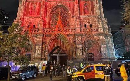 Знищений орган та люстра на підлозі: на відновлення костелу святого Миколая у Києві вдалося зібрати понад 20 мільйонів