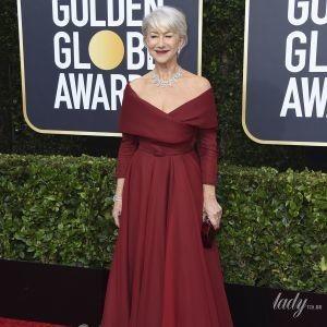 В винном платье с красивым вырезом: эффектный выход Хелен Миррен