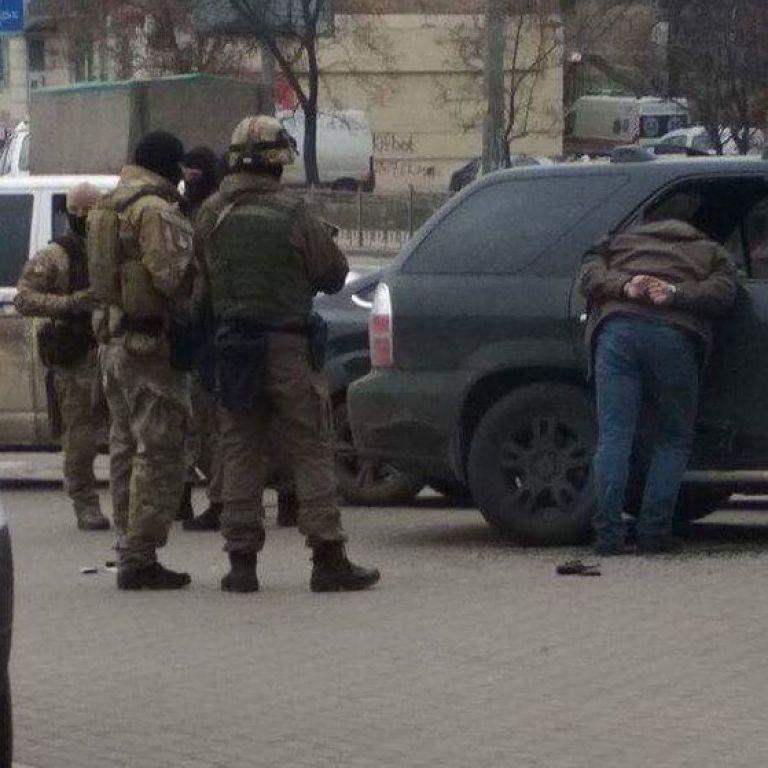 """В Киеве посреди бела дня неизвестные похитили ветерана батальона """"Донбасс"""" - активисты"""