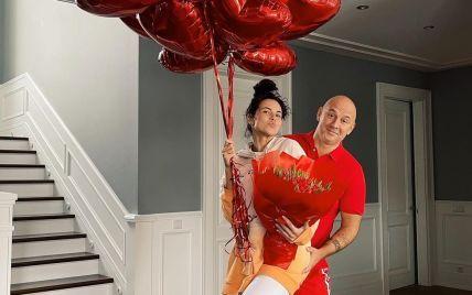 Настя Каменских показала подарки на День Валентина от Потапа