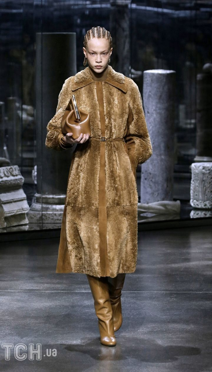 Колекція Fendi прет-а-порте сезону осінь-зима 2021-2022 / © East News