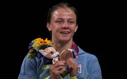 Небачений жест щедрості: українська призерка Олімпіади-2020, не маючи власного житла, подарувала квартиру тренеру