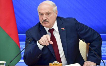 Лукашенко заявил, что Россия поставит Беларуси десятки самолетов, вертолетов и ЗРК