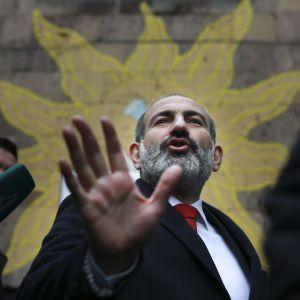Пашинян запропонував обміняти свого сина на вірменських військовополонених в Азербайджані