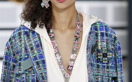 Крупные украшения и очки странной формы: тенденции моды сезона весна-лето 2017