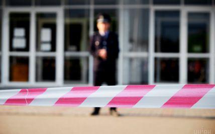 В центре Киева эвакуировали 700 человек из-за возможного заминирования торгового центра