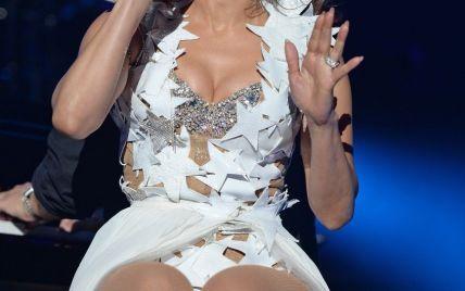 Джей Ло на концерте показывала зрителям свою пятую точку