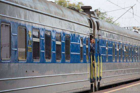 """В Украине из-за непогоды массово задерживаются поезда, в том числе и новый вагон """"Вена-Киев"""": расписание"""