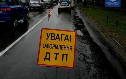 Ночное ДТП во Львове: после столкновения двух легковушек пассажирку доставили в больницу