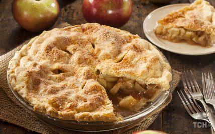 Насыпной яблочный пирог: рецепт теста, которое не нужно замешивать