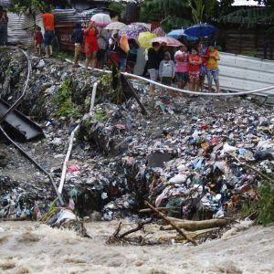 """Ураган """"Йота"""" накрив Центральну Америку, загинуло дев'ятеро осіб"""