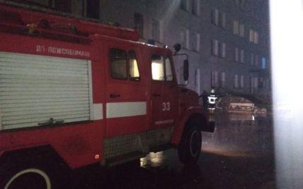 Вода была выше пояса, автомобили плавали по дороге: появились фото из затопленного города во Львовской области