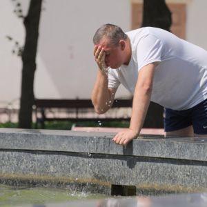 Прогноз погоди на 24 червня: Україну не покидає спека, температура - до +36