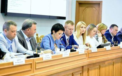 Скандал із Клюєвим і Шарієм на виборах: Богдан і Парасюк звинувачують Порошенка