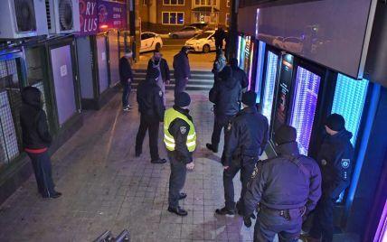 В полиции рассказали подробности ночного инцидента в столичном стриптиз-клубе