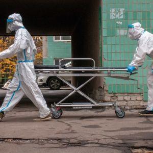 Голі тіла складають на підлозі моргу: у Запоріжжі люди приголомшені ставленням до померлих від коронавірусу
