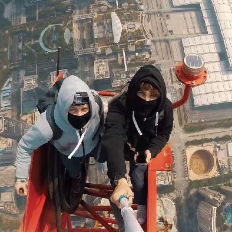 Руферы сняли потрясающее видео с одной из самых высоких высоток мира
