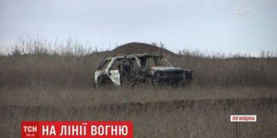 """У білий """"Опель"""" прилетів ПТУР: бійці на передовій розповіли подробиці смерті побратима на Луганщині"""